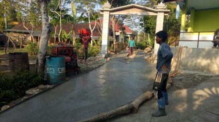 Pembangunan Rabat Jalan Dusun Klangsur Tahun 2018